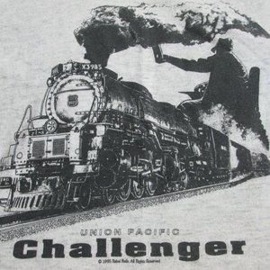 VTG UNION PACIFIC CHALLENGER T-SHIRT SIZE SMALL